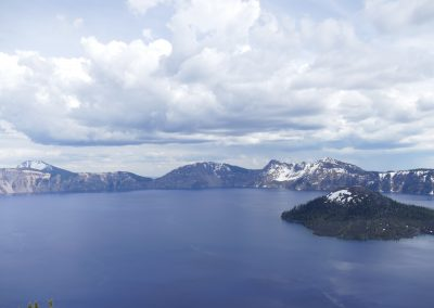 crater lake nat'nl park one hour away
